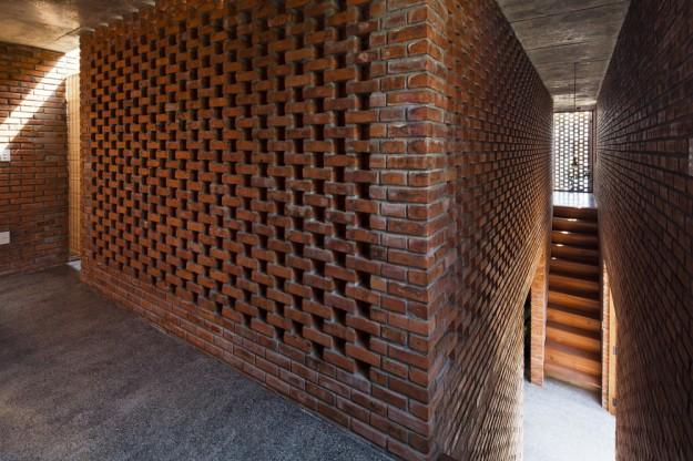 Termitary House / Tropical Space 10