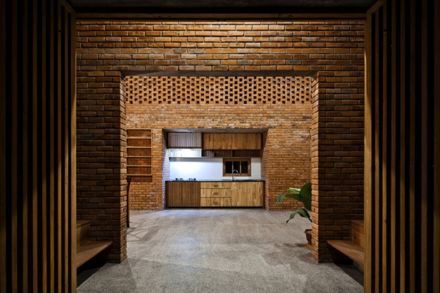 Termitary House / Tropical Space 23