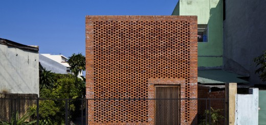 Termitary House / Tropical Space 25