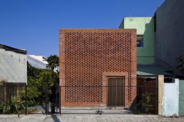 Termitary House / Tropical Space 25
