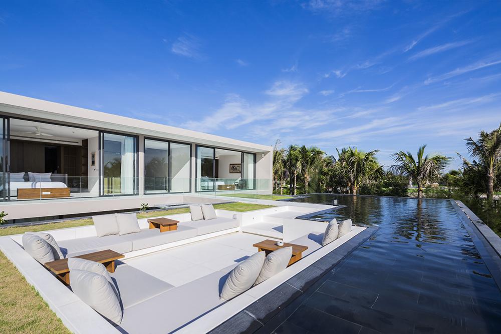 Naman Residences / MIA Design Studio 9005