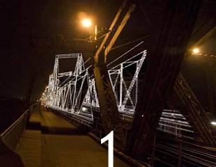 Cầu Long Biên: Ngày và đêm