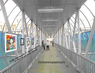Tổ chức triển lãm tranh vẽ theo các chủ đề khác nhau bên cầu dành cho người đi bộ