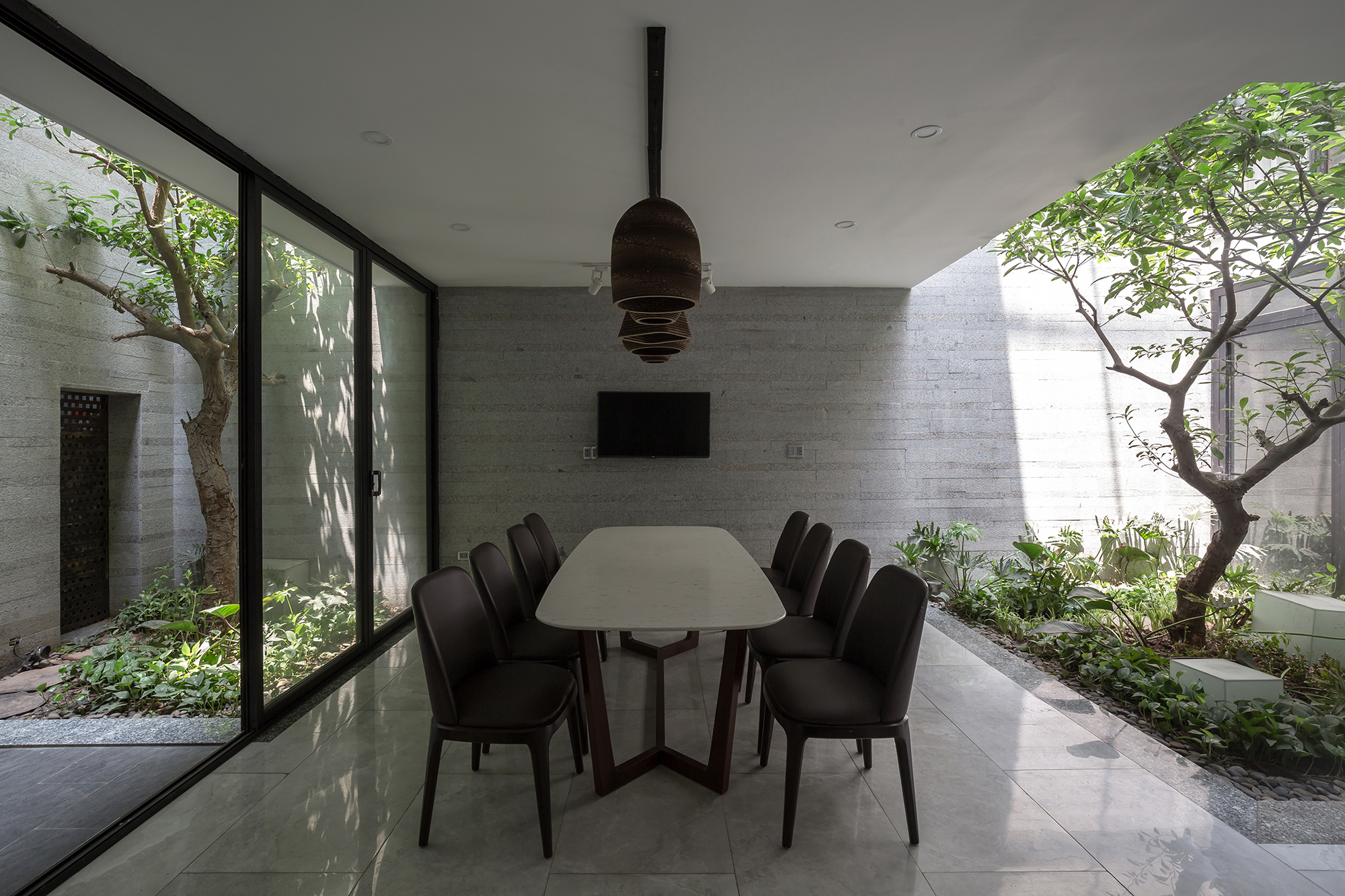 Dhouse_interior_03
