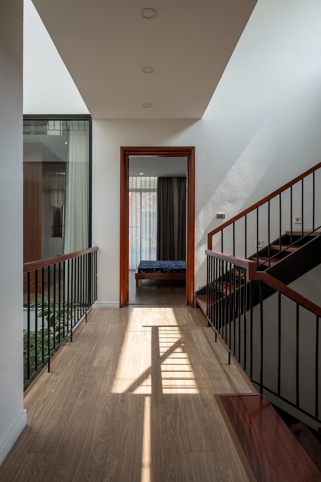 Dhouse_interior_13