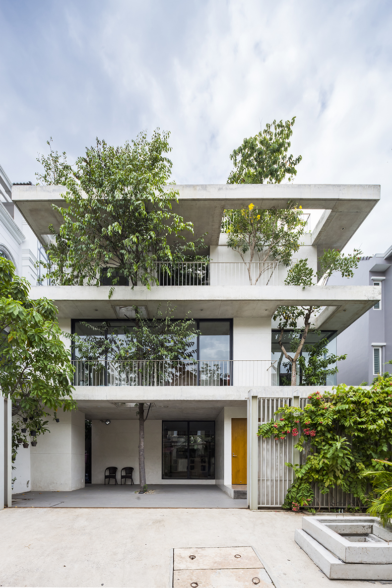 Stacked_Planters_House02