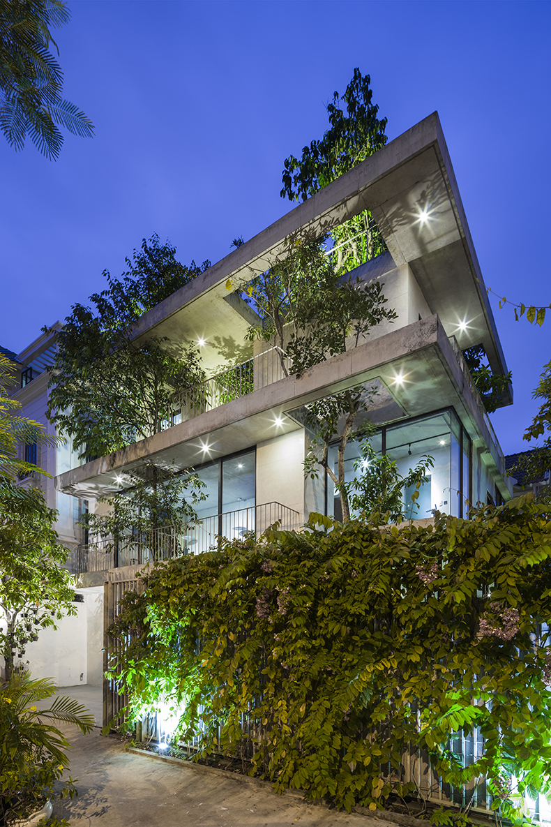 Stacked_Planters_House16