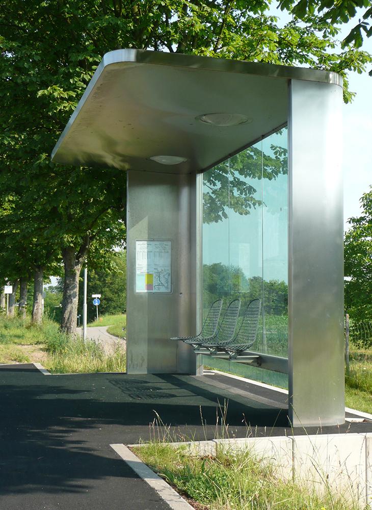 busstop0202.jpg