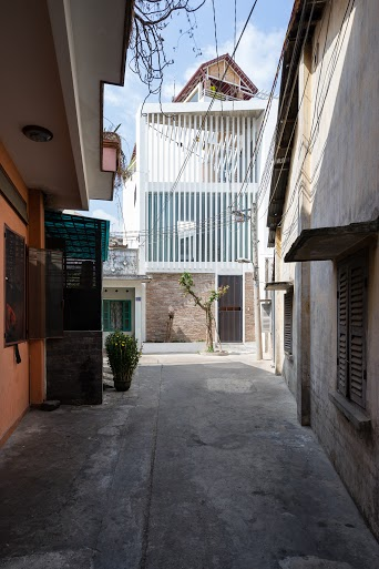 3houses12.jpg