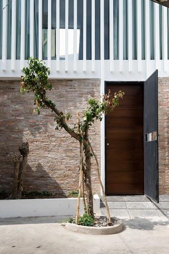 3houses13.jpg