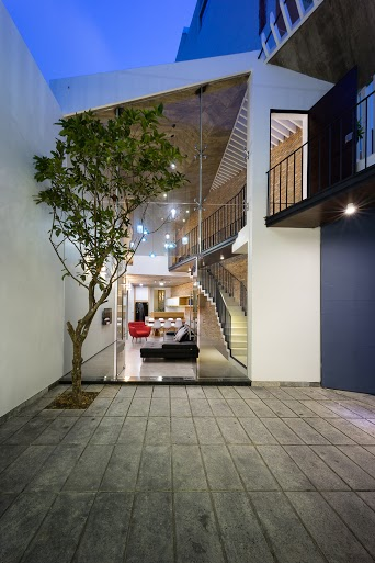 3houses41.jpg